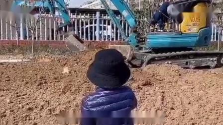 搞笑视频不会挖掘机的厨子不是好司机