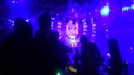 焦点娱乐-开心快乐-晚场音乐派对