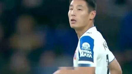 李铁上任第二天,中国足球武磊进球啦!这一次攻破的是巴萨的大门