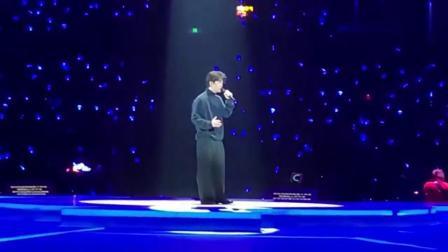 李健南京演唱会首唱《一念一生》音乐诗人惊喜