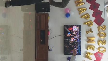 2O2O年翠湖名园迎新春联欢晚会搞笑视频:打针