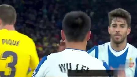 武磊攻破巴萨球门!\u0005西甲\u0006赛后皮克拍了拍武磊的头说了什么?