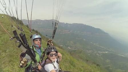 小蚁女神秀·美女滑翔伞自拍