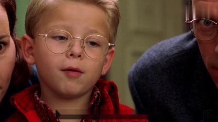 男孩送给小老鼠一辆跑车,从此它再也不怕猫咪,一部搞笑动物电影