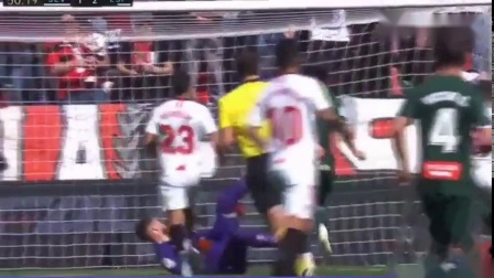 西甲第24轮,西班牙人作客挑战塞维利亚。武磊首发登场,第49分钟他巧射破门,帮助球队打入关键一球!#武磊进球#_好看视频 (2)