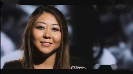 德州扑克华裔美女亮出底牌,竟让对手大叔惊呆