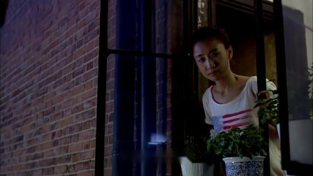 霸道总裁太浪漫了,在美女楼下向美女表白,美