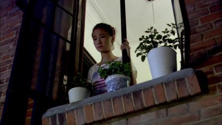 美女在窗口意外看到总裁,还准备了惊喜,瞬间