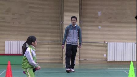 休闲类体育活动 扭扭车(2)_(小学一年级体育