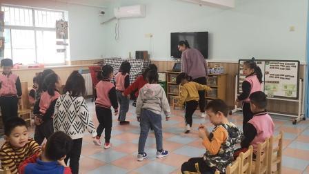 桥西区 尹喆 2016512871 大班 音乐 过新年