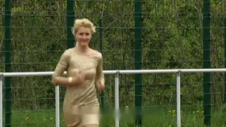 美女穿8厘米高跟鞋跑步,成绩打破世界纪录,真