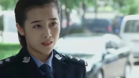 警察锅哥:美女送锅哥归队,警花看到了吃醋.