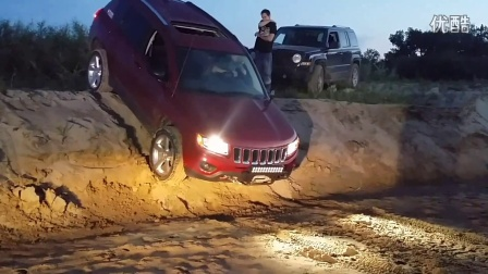 震撼 外国高手驾驶Jeep指南者下坡道