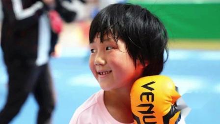 8岁女童再次打爆哥哥,网友称中国版《摔跤吧!
