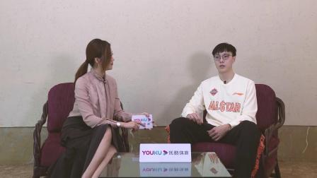【专访】胡明轩:杜锋教练运筹帷幄 但在场上过于认真 想让他多给我们点空间