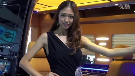 2014广州车展 奔驰 极品靓丽长腿车模