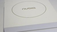 「玩·品」努比亚M2开箱:超窄边框/纤薄金属机身