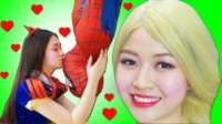 搞笑蜘蛛侠 艾莎公主学煮饭遇到危险的超人