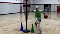 篮球课 让防守球员失去平衡的三种基本方式 篮球教学视频