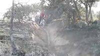 骑兰博基尼自行车下山,非专业人士勿仿!!