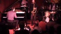 美国著名爵士钢琴家Aaron Goldberg在纽约Village Vanguard演出