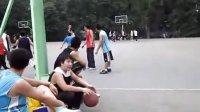 西安建筑科技大和朋友打球