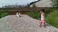 20110821(003)姨姥家做游戏和小妹