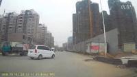 卫程v6s行车记录仪-牡丹路莲花街口等红灯131