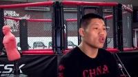"""UFC招牌动作:""""吸血魔""""李景亮!"""