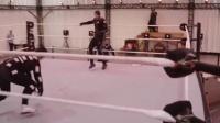 电玩追击令2: WWE 2K15绞杀场,活着还是倒下!