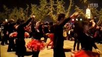 师傅孙伟. 李玉兰 饶凤来老师在高邮净土寺广场带学生练舞