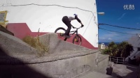 視頻: 超牛城市騎行:騎著自行車在屋頂上跳躍