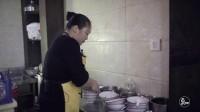 榨菜 虾皮 油条 香葱和酱油 一勺滚烫豆浆浇下去 这是七点钟的老杭州 634