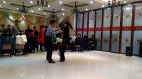 停泊老师和梅子老师在年会聚餐上为学员表演吉特巴(跳舞网录制)