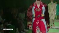 关晓彤穿粉色豹子逗趣 动物图案成时尚圈新宠 170121