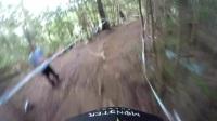 不加特效也沒加速,真正的山地車比賽,就想問你看完頭暈嗎