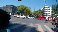 abcdefa-5.1节南京长江路风景怡人游人如织。