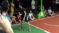 疯狂的1v1的VS教授-杭州,中国 街头篮球教学