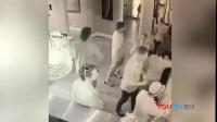 监拍蠢贼餐馆偷巨型画像 被店主女儿勇追讨回