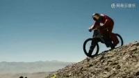 自行車速降世界最快紀錄176英里每小時, 網友: 這是紅牛敢死隊做的事