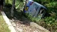 瑞昌南义段客车与小车相撞