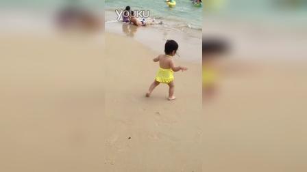 21m2d:三亚行-在沙滩上尿尿