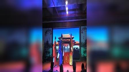 重庆市磁器口沙磁龙群川剧团演出美女貂婵第三