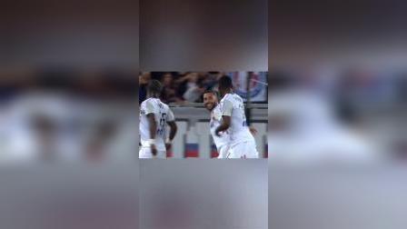 万博分享法甲赛场上神奇的一球