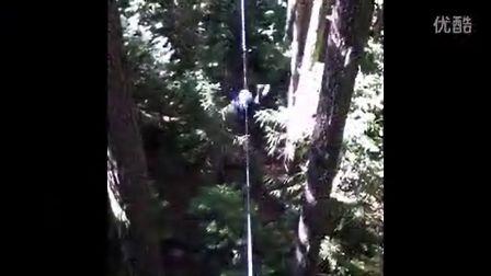 在加拿大惠斯勒的林间滑索-老导游杰克大叔的私藏拍