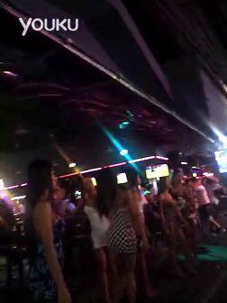 偷拍泰国街边的夜生活!