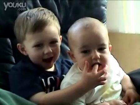 [独家放送]超级搞笑!查理咬我了!!!