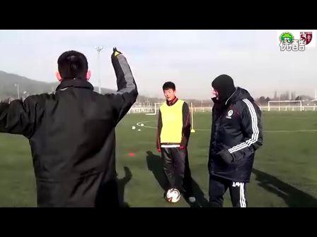 【青少年足球训练】法国梅斯奥利维耶教练8vs5练习