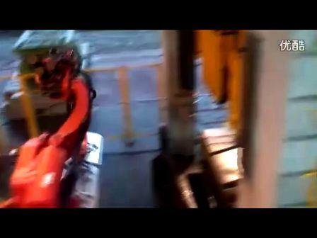柯马机器人 冲压连线 上下料 现场应用 视频